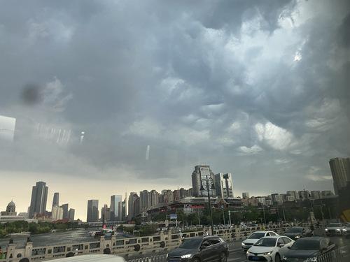 今日份云卷云舒很有意境。
